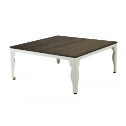Mesa con patas de metal...